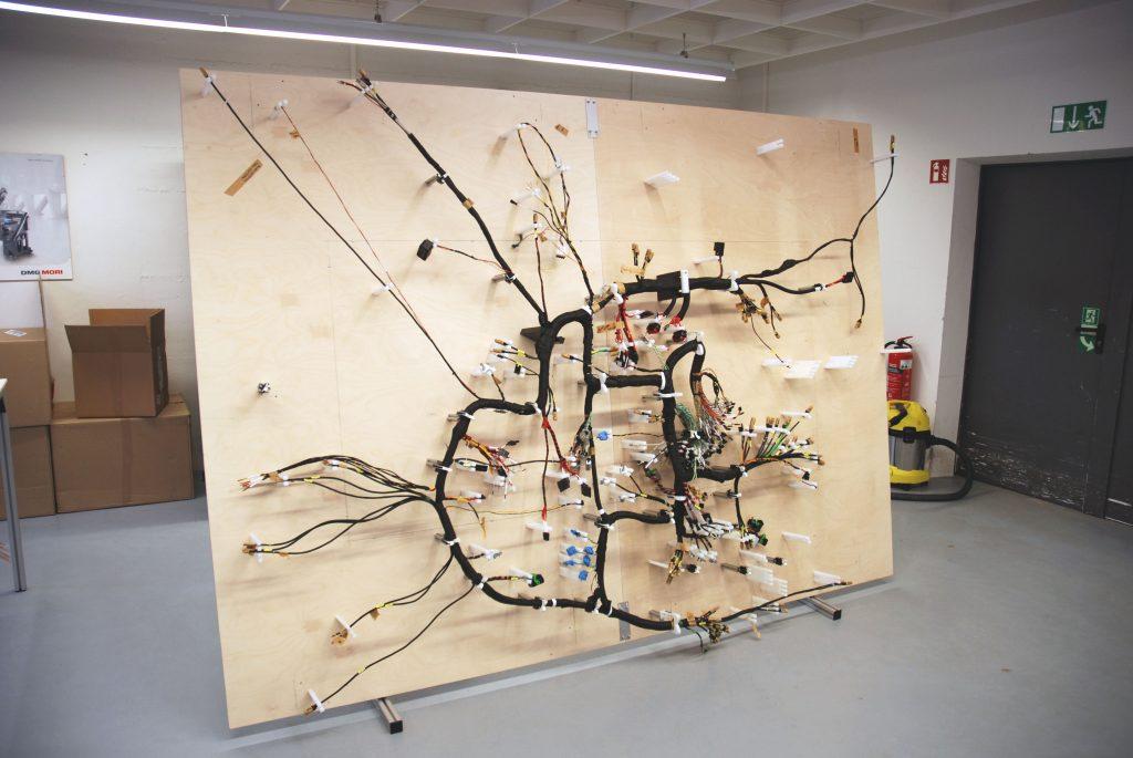 Komplexe Kabelbäume